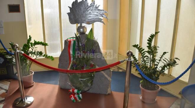 mazzo fiori carabiniere ventimiglia