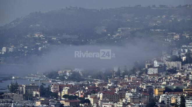 riviera24 - caligo sanremo nebbia