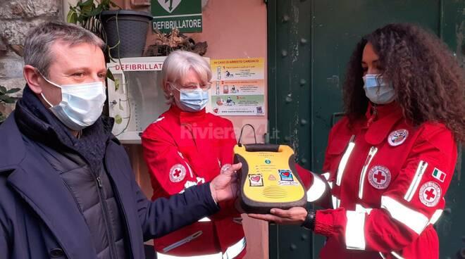 riviera24- Sanremo, la Croce Rossa prende in carico i defibrillatori DAE cittadini