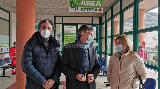 vaccini alla stazione di Taggia conio falco