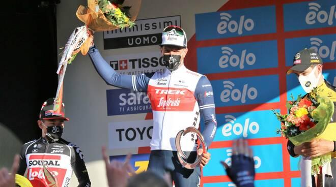 Il belga Jasper Stuyven podio milano sanremo