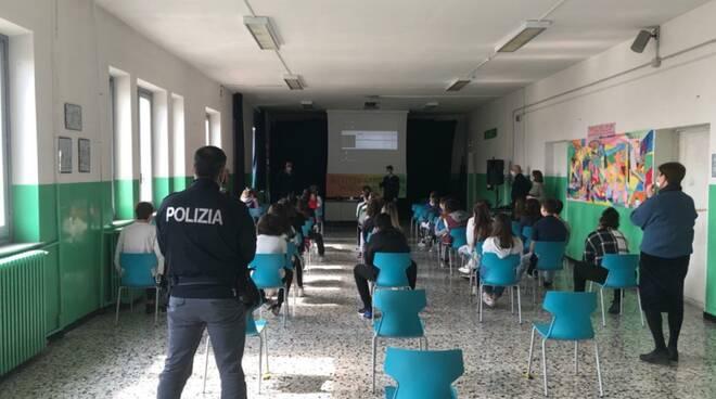 polizia incontri scuole