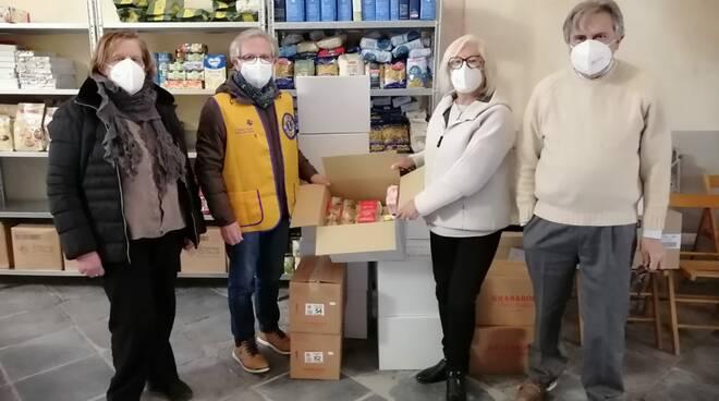 riviera24 - caritas lions club host consegne alimenti
