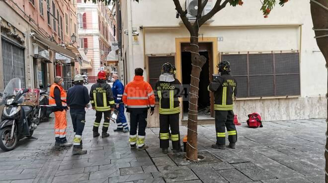riviera24 - fuga di gas vigili del fuoco piazza bresca via gaudio
