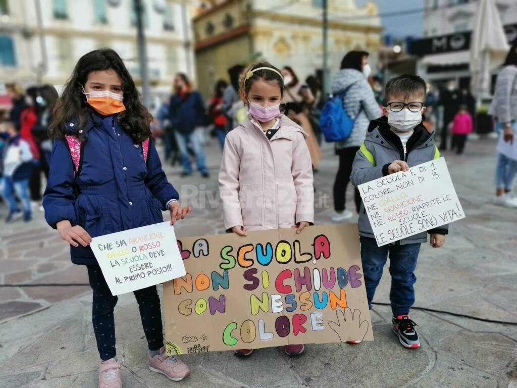 Riviera24- manifestazione scuola
