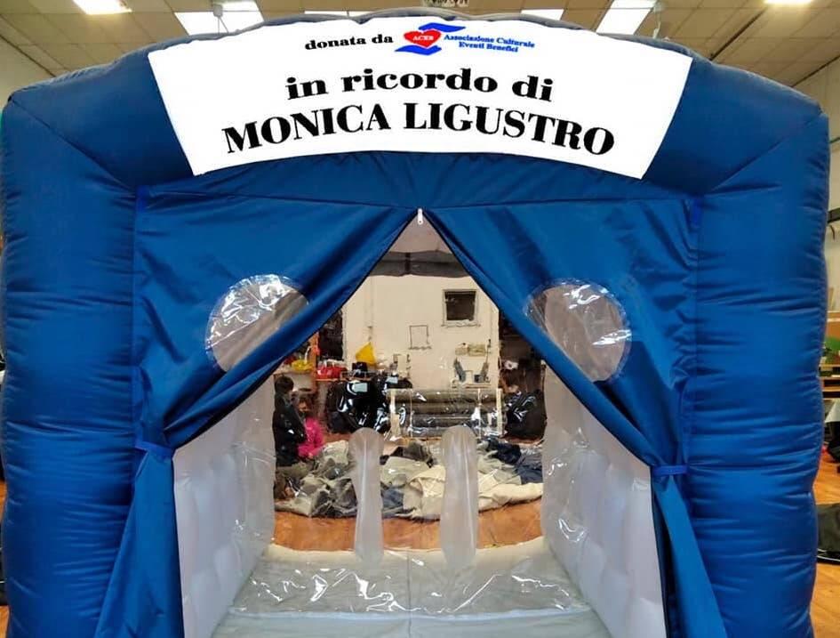 stanza abbracci Monica