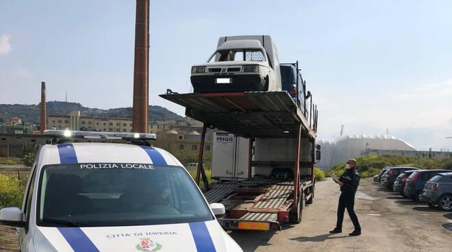 Riviera24- auto abbandonate Imperia