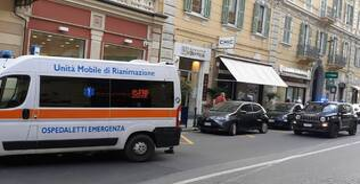 riviera24 - incidente via roma sanremo soccorsi 118 carabinieri