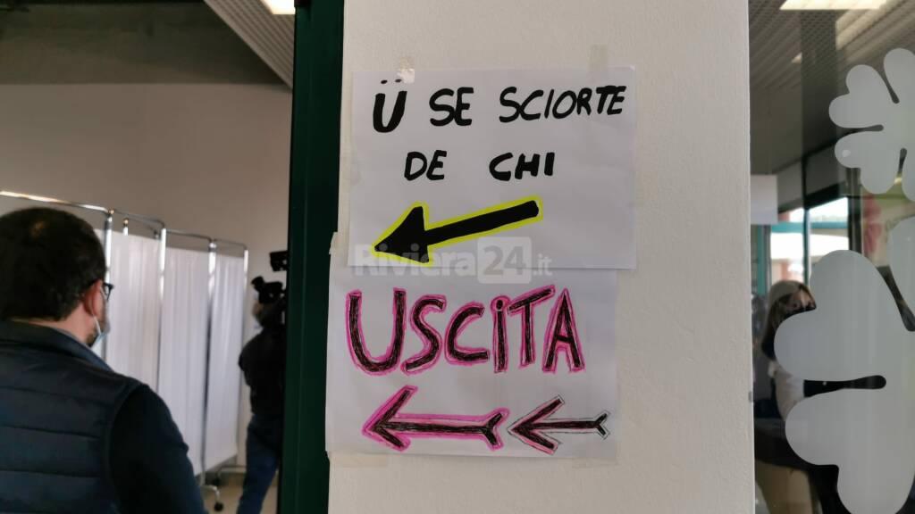 Taggia presidente Toti centro vaccini stazione silvio falco asl