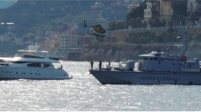 guardia di finanza barca