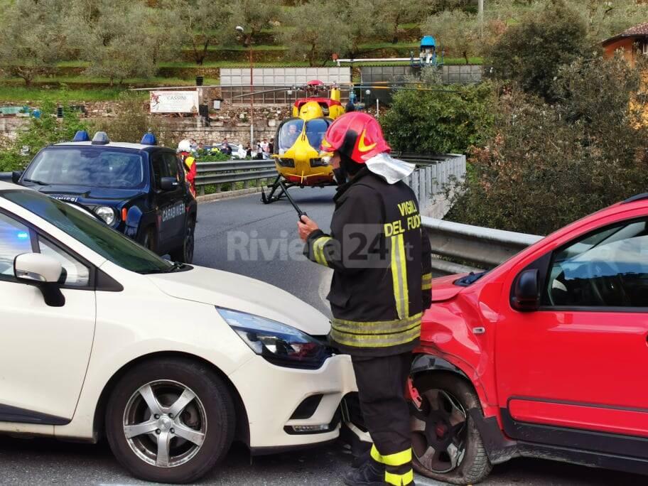 riviera24 - incidente frontale isolabona