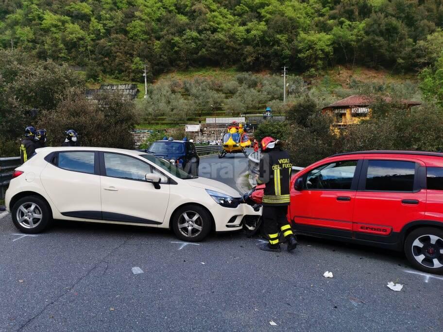 riviera24 - incidente vigili del fuoco elisoccorso