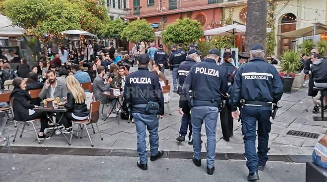 riviera24 - movida controlli sanremo polizia locale piazza bresca