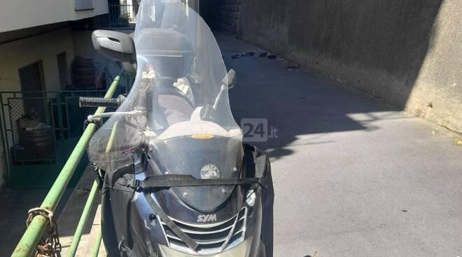 riviera24 - scooter caduti strada borgo