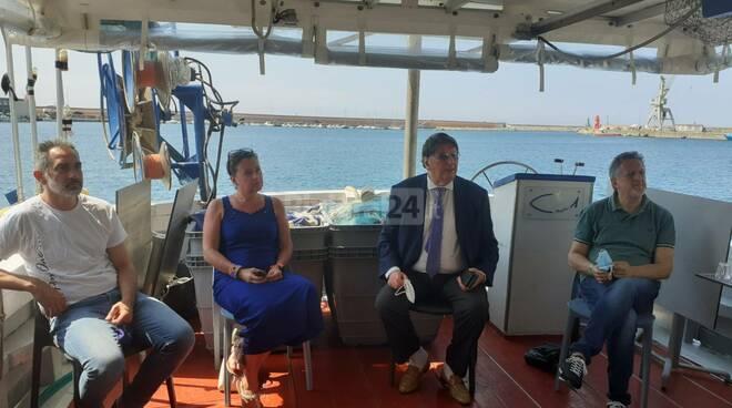 """Da Imperia a Cetara con il """"Pingone"""" per promuovere la pesca"""