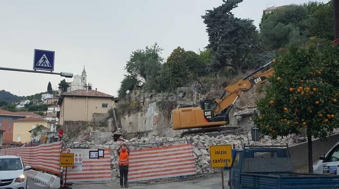 demolizione palazzina castelvecchio