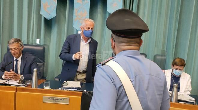 blitz carabinieri consiglio comunale