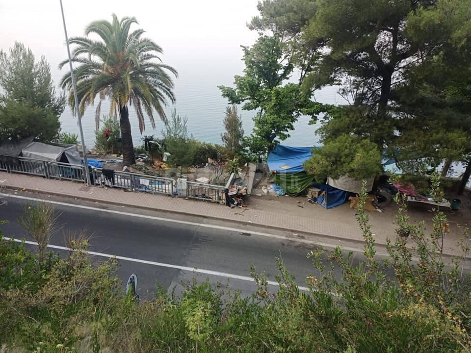 Migranti Ventimiglia stazione