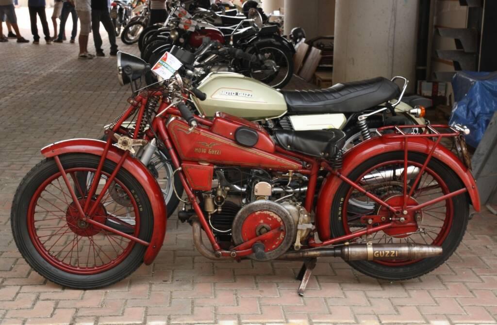 Raduno di auto e moto storiche a Taggia
