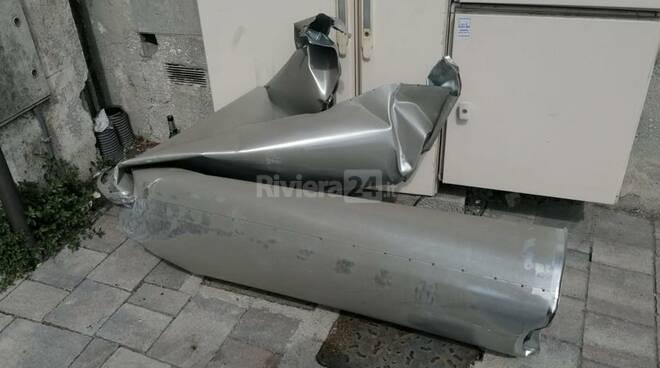 riviera24 - galleria degli Scoglietti danneggiata da un camion