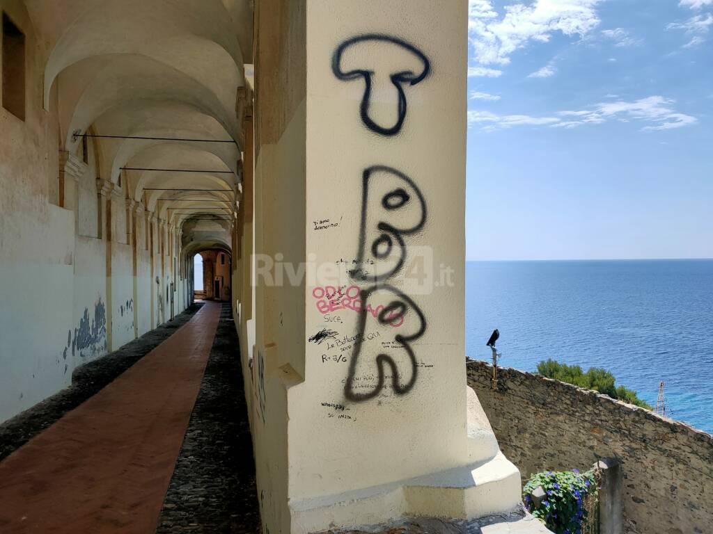 logge santa chiara vandali