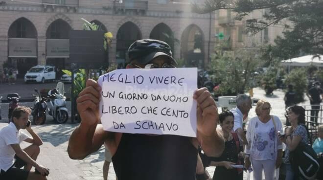 No green pass, torna la protesta a Sanremo