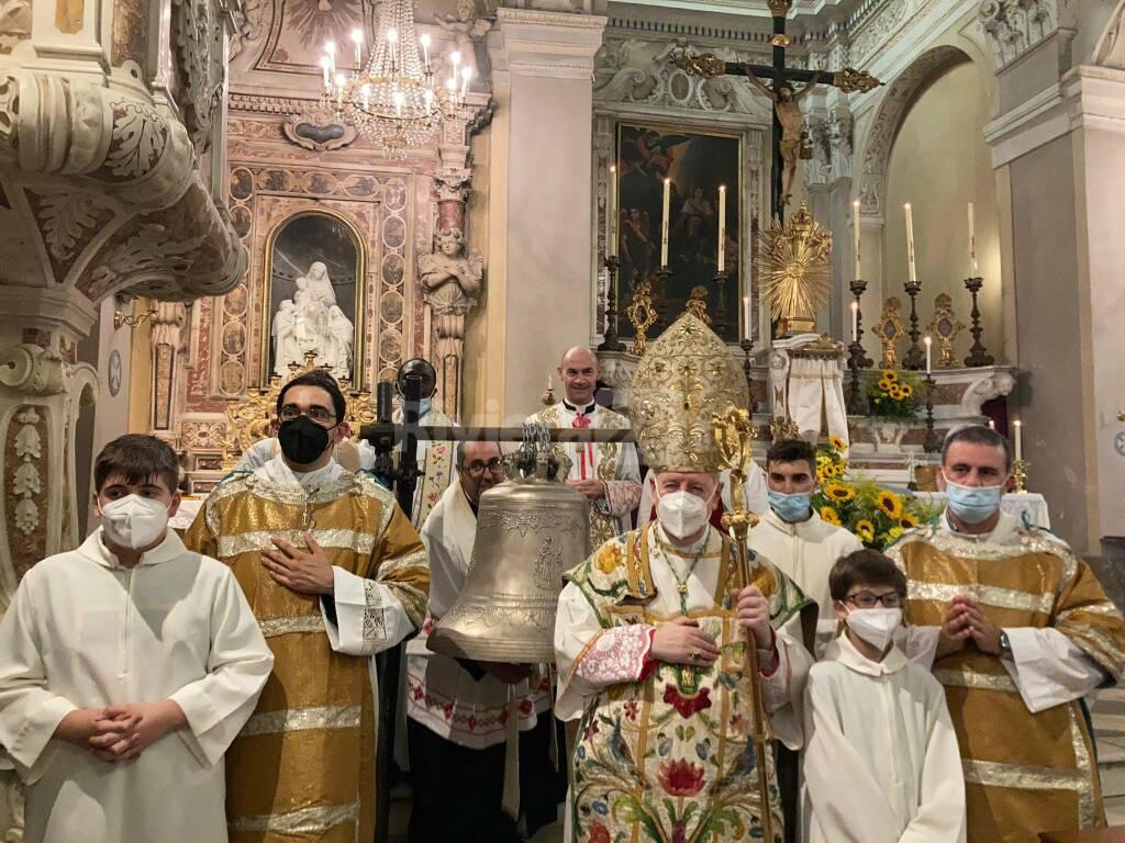 La nuova campana della chiesa di Borgomaro dedicata a don Ambrogio Bianchi