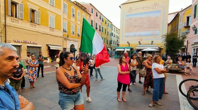 Protesta no green pass a Imperia