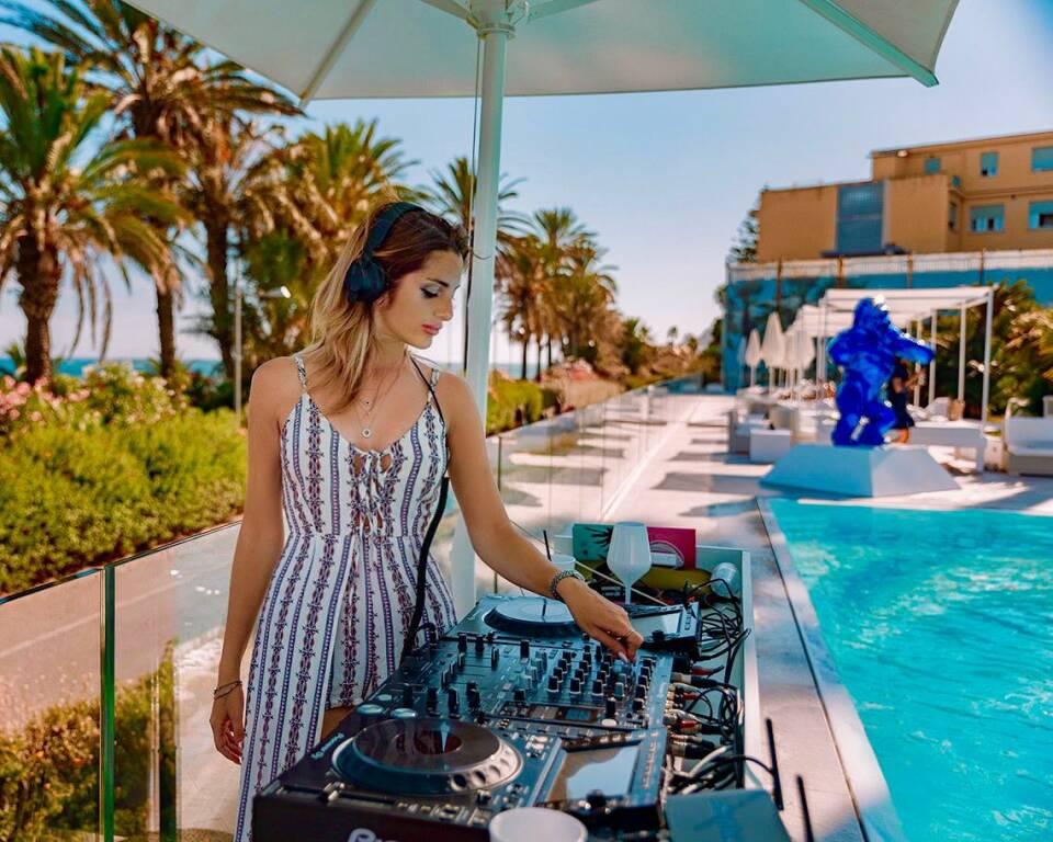 riviera24 - Almas Exclusive Pool Event