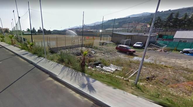 riviera24 - incuria intorno al Marzocchini