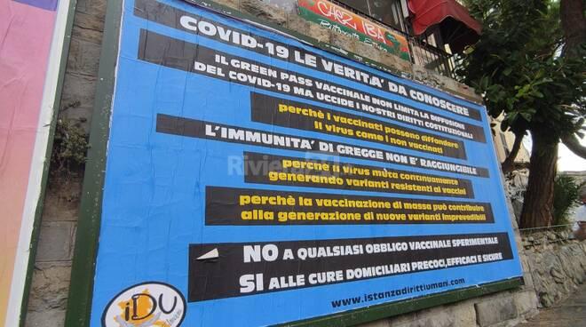 Riviera24 - manifesto no vax sanremo