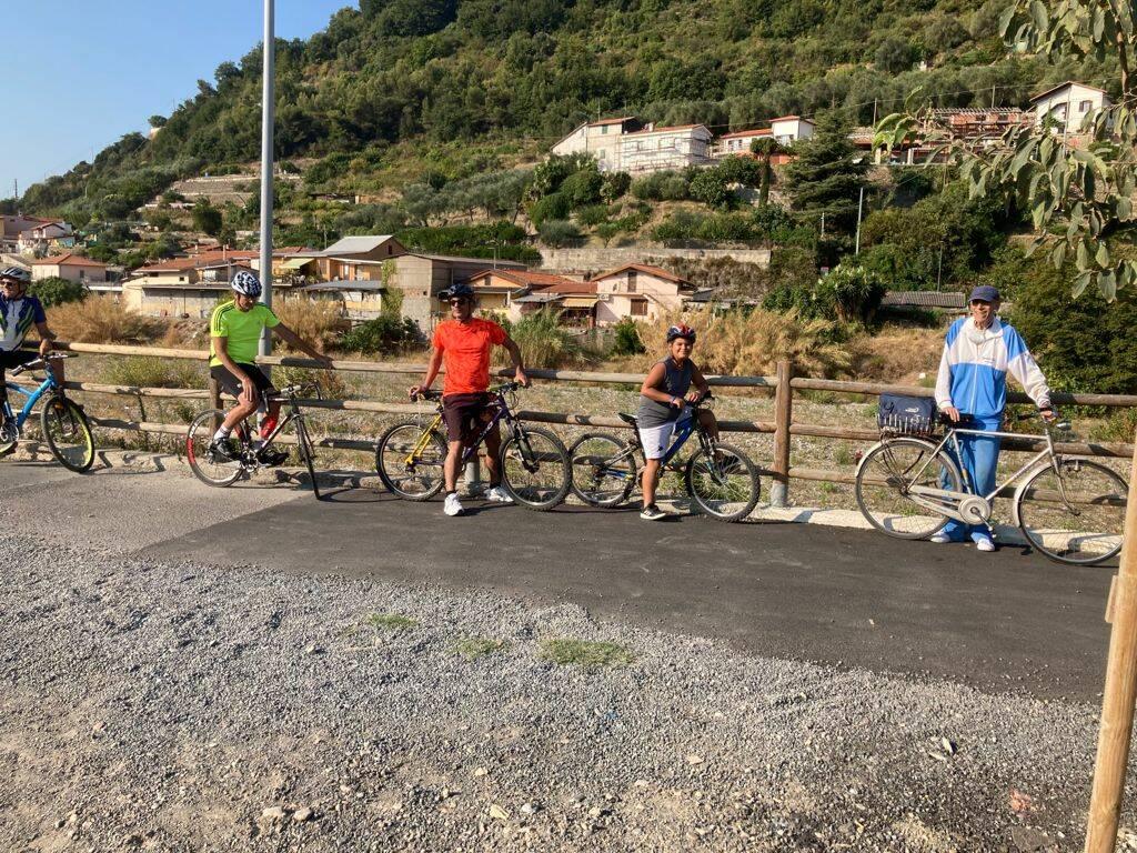 Bici Camminando Mangiando