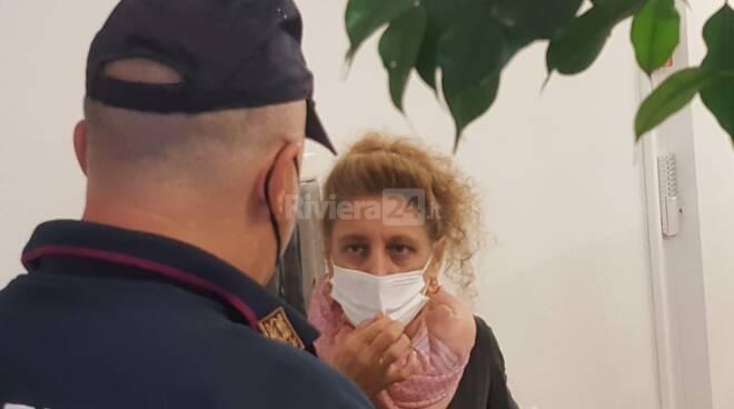 bidella no vax imperia polizia