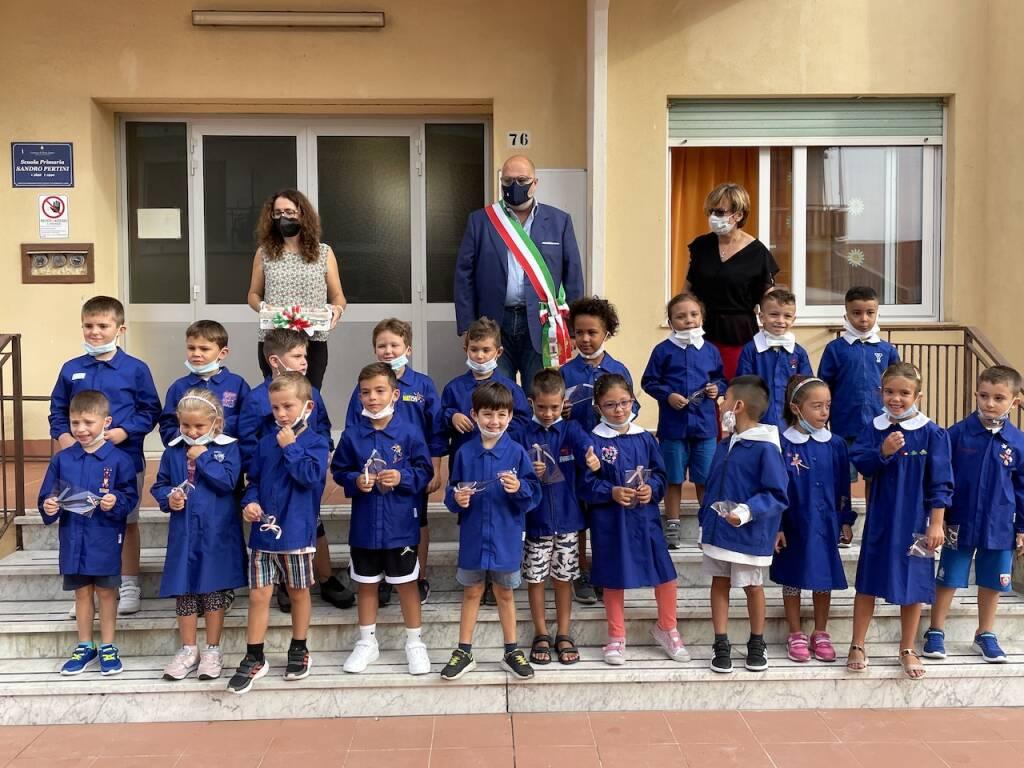 Primo giorno di scuola alla primaria 'Pertini'