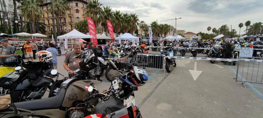 Riviera24 - In moto da enduro da Sanremo al Sestriere